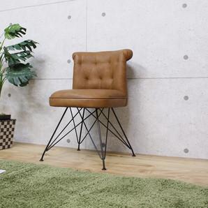 ボリューム感ある背と座にスチール脚をコラボしたデザインチェアーライトブラウン色!